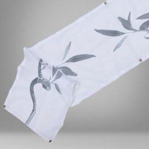 Pancarta para publicidad y promicion. Sugerencia de presentación con motivos florales.