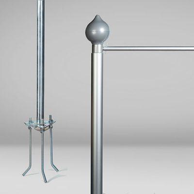 Asta per bandiera per esterni in alluminio da 6m. Dettaglio di base ed estremità con braccio di potenza e puntale
