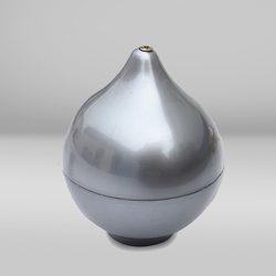 Puntale argentato. Finitura della parte superiore dell'asta di alluminio per esterni